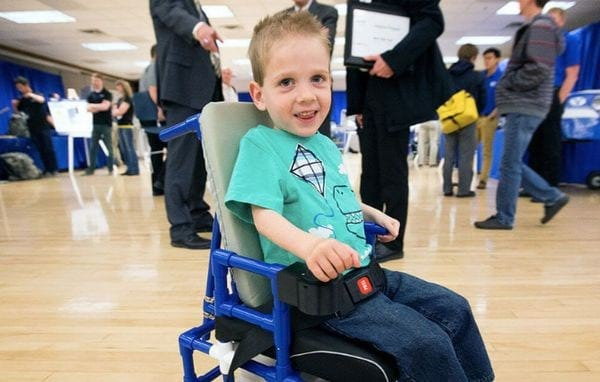 Льготы родителям ребенка инвалида: трудовые, налоговые и медицинские