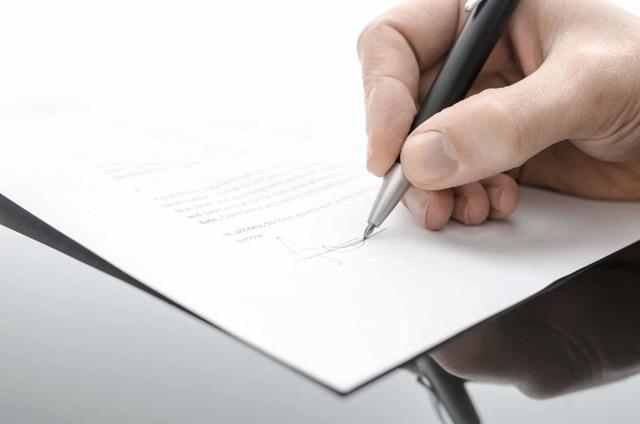 Жалоба на врача поликлиники: образец, порядок написания и куда направить