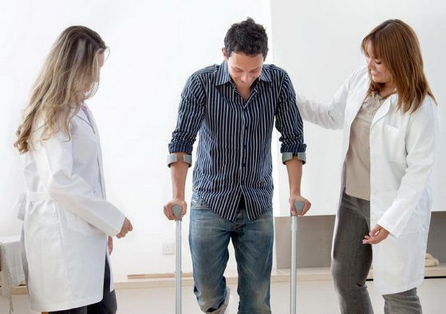 Положена или нет инвалидность после замены тазобедренного сустава: процедура оформления