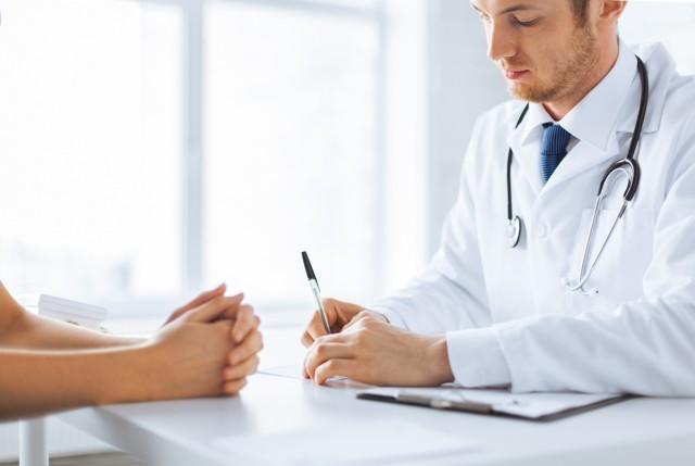 Куда пожаловаться на поликлинику: правила составления и подачи жалобы