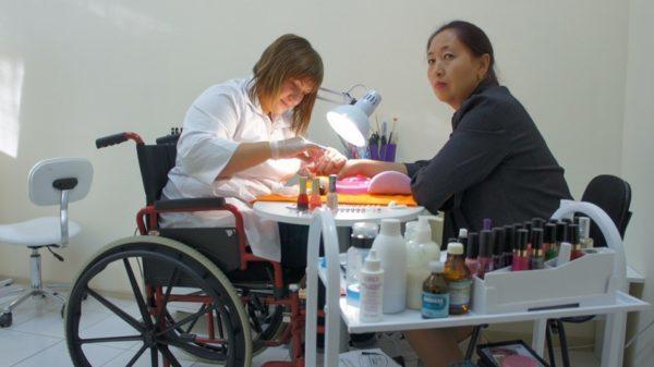 Что делать, если работнику дали 2 группу инвалидности: действия работодателя