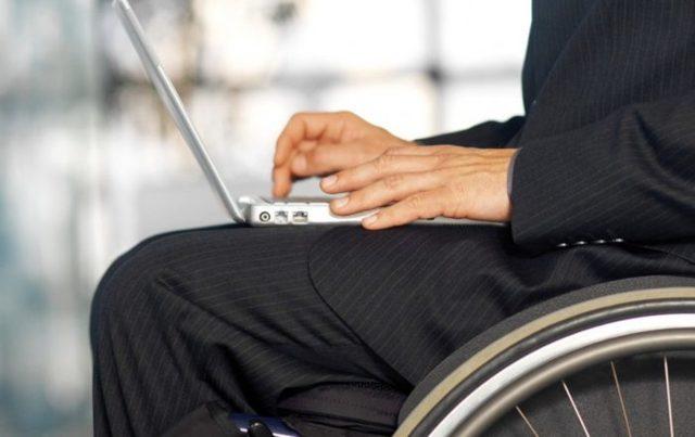 Сколько часов в день должен работать инвалид 2 или 3 группы: что говорит Трудовой кодекс о режиме работы и оплате